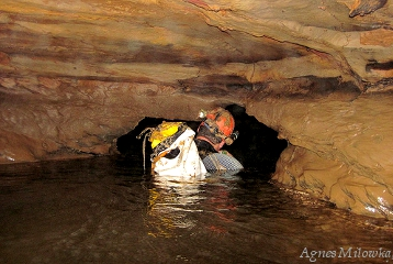 Agnes Milowka_cave diving Elk River