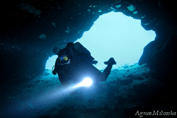 Agnes Milowka_cave diving Jackson Blue